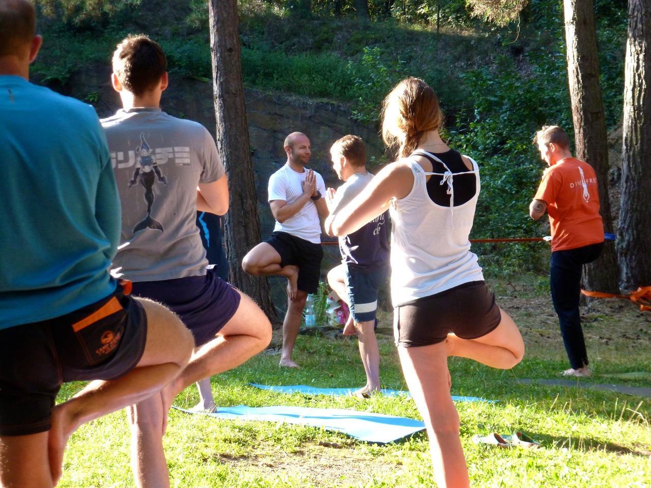 Yoga am Morgen um 7:30 mit YOGA MACHT STARK